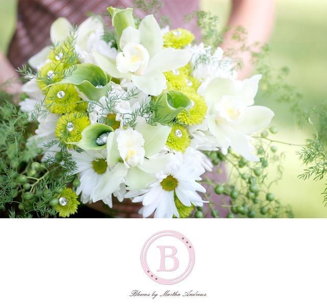 bridal flowers daisy bridal bouquet