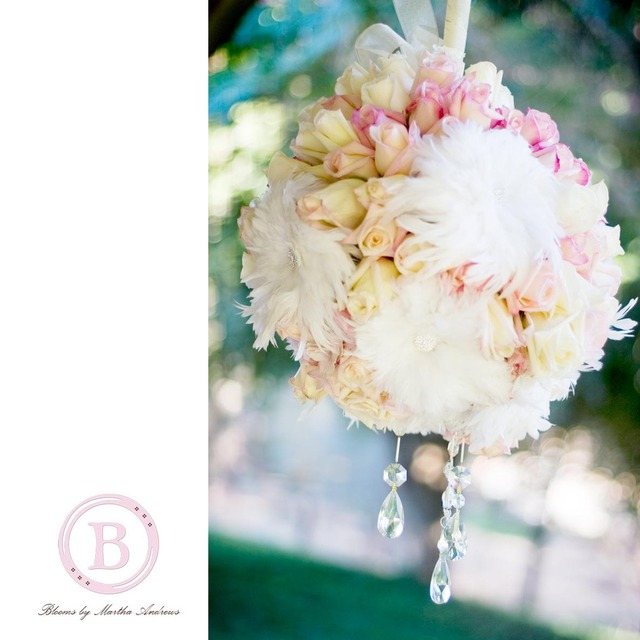 Hanging flower ball with feather flowers